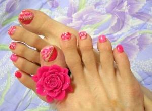 Pink-Toe-Nails
